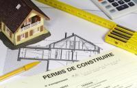 Modification des mentions obligatoires à indiquer sur un panneau d'affichage de permis de construire